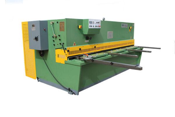TKM szériás hidraulikus lemezvágó gépek