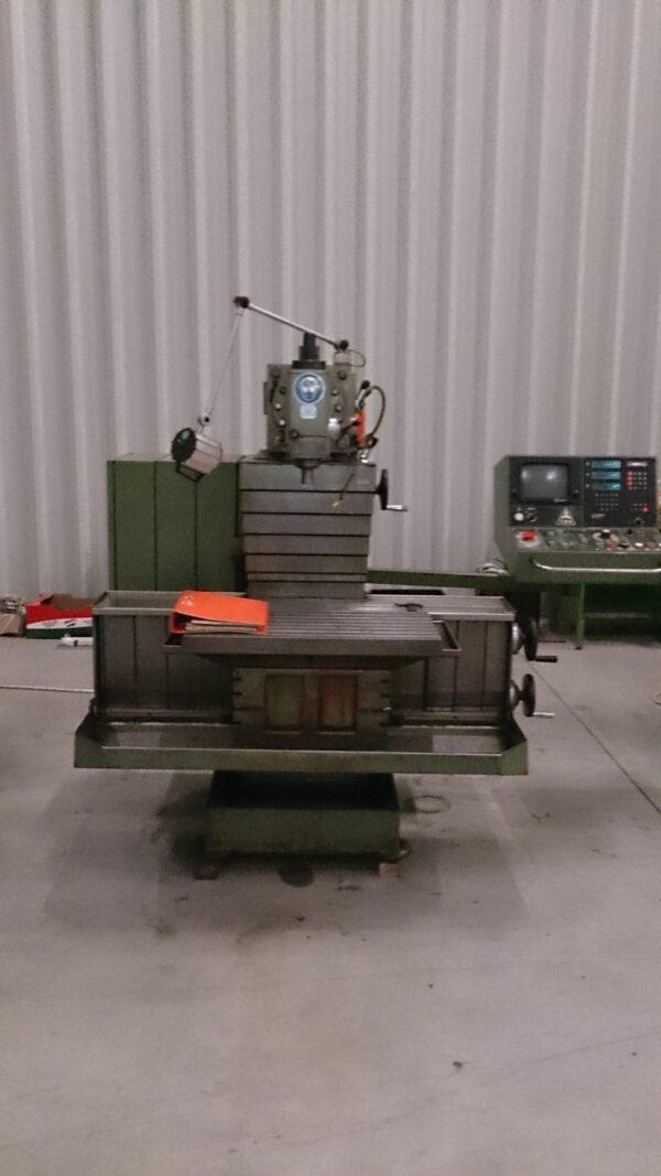 TOS FNGJ32 CNC szerszámmaró